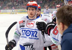Verteidiger Mirko Sacher bleibt ein weiteres Jahr bei den Schwenninger Wild Wings