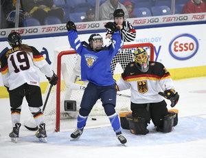 Deutsche Frauen unterliegen im Spiel um Platz drei Finnland deutlich mit 0:8 - USA wird Weltmeister