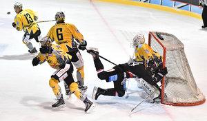 Chouinard mit Hattrick beim DEL2-Debüt, Kassel und Riessersee gewinnen Top-Spiele, Crimmitschau feiert verrückten Comeback-Sieg