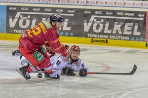 DEG gewinnt rassiges Rhein-Derby, Adler siegen im Spitzenspiel, Roosters verschärfen Nürnberger Krise