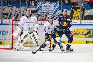 EHC Red Bull München gewinnt gegen die Eisbären Berlin mit 3:1 und verbessert sich auf den zweiten Tabellenplatz