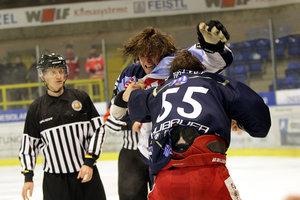 Regensburg und Rosenheim patzen, Peiting und Memmingen erneut Derbysieger, Landshut gelingt Revanche gegen Weiden