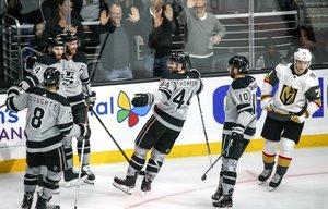 Marco Sturms Kings schlagen gegen Vegas zu, Greiss hält Comeback-Erfolg der Islanders fest, deftige Klatsche für Grubauers Avs