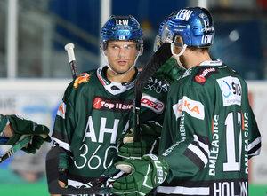 Augsburger Panther halten Top-Scorer Drew LeBlanc