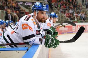 Derek Dinger wechselt in seine Heimatstadt und schließt sich den Kassel Huskies an