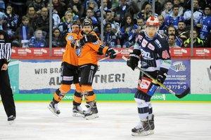 Viertelfinal-Duelle fix: Ausgebuffte Grizzlys beenden Schwenningens Playoff-Comeback, Urbas schickt Iserlohn in die Sommerpause