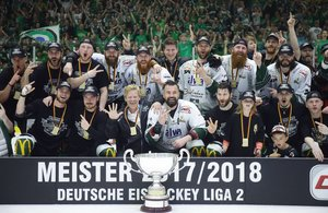 Die Bietigheim Steelers gewinnen beim SC Riessersee mit 2:0 und feiern dritte Meisterschaft in sechs Jahren