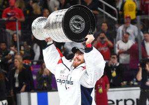 Grubauer gewinnt als vierter Deutscher den Stanley Cup und hat das Interesse anderer Teams geweckt