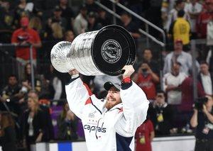 Programm für Grubauers Tag mit dem Stanley Cup in Rosenheim steht fest