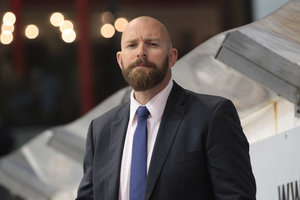 EV Lindau trennt sich von Chris Stanley – Ehemaliger Verteidiger Philipp Haug übernimmt vorübergehend