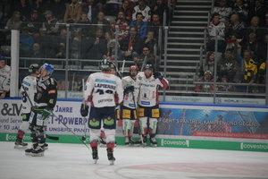 Rückkehrer Eisenschmid stark bei Adler-Sieg, Berlin beendet Talfahrt, München weiter auf Rekordjagd