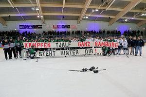 Benefizspiel zwischen den Crocodiles Hamburg und dem Hamburger SV bringt Erlös von 16.500 Euro für Familie von Tjalf Caesar