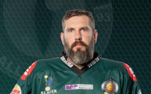 Oberliga-Schlusslicht Höchstadter EC löst Vertrag von Kontingentspieler Michal Petrak auf