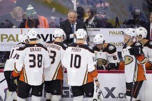 Nach 19 Niederlagen aus den letzten 21 Spielen: Anaheim Ducks feuern Head Coach Randy Carlyle, General Manager Bob Murray übernimmt