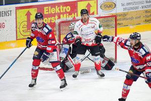Siege für Kellerkinder Deggendorf und Freiburg, Negativtrend beim ESVK hält an, 17-jähriger Tobias Ancicka glänzt bei DEL2-Debüt