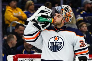 Draisaitl trifft weiter, aber Edmonton kann nicht gewinnen und tauscht Goalie Cam Talbot nach Philadelphia
