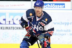Kapitän Vincenz Mayer bleibt eine weitere Saison bei den Ravensburg Towerstars