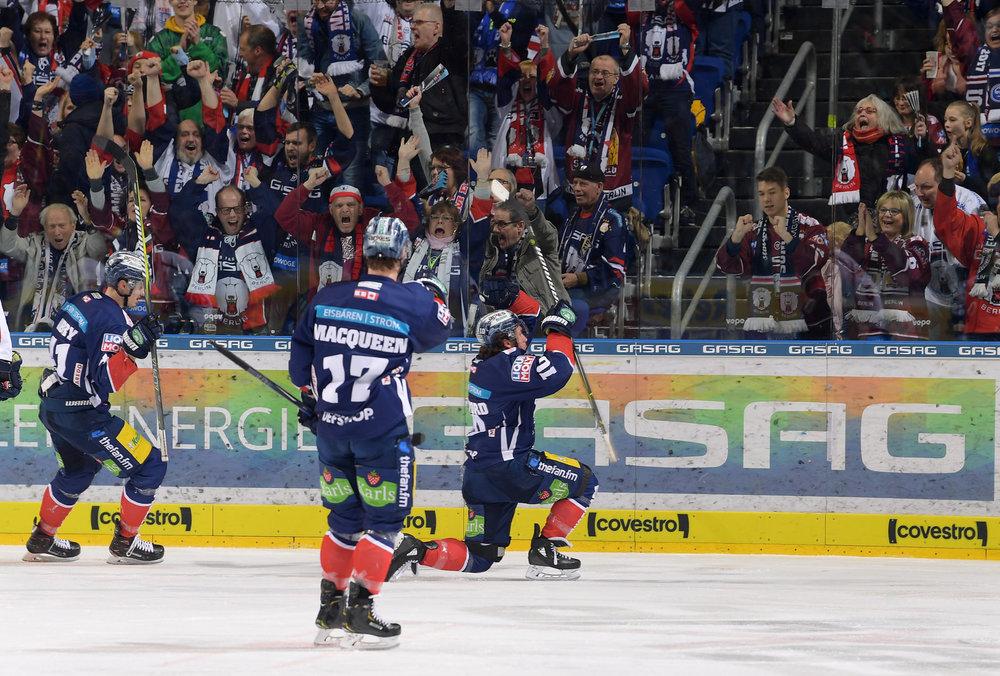 Berlin gelingt Serienausgleich gegen München, Kaufbeuren mit Siegtreffer in der dritten Overtime, Selb überrascht zum Auftakt