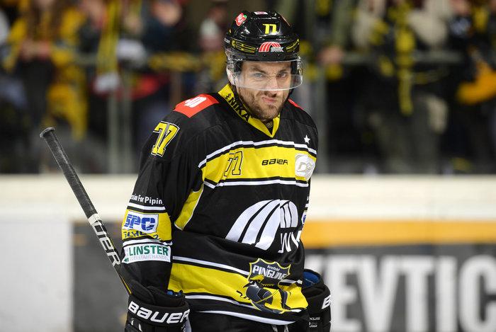 Verteidiger Garrett Noonan steht auch in der Saison 2019/20 für die Krefeld Pinguine auf dem Eis