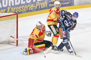 Doppelpack von Hinse: Ravensburg steht im Finale – Freiburg führt in der Serie gegen Deggendorf jetzt mit 3:2