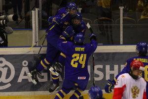Schwedens U18 holt dank 4:3 nach Verlängerung gegen Russland Gold – USA gewinnt Bronze, Schweiz hält die Klasse