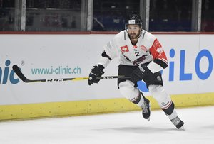 <p>Spencer Humphries bei einem Spiel in der Champions Hockey League mit den Aalborg Piratets. <br/>Foto: imago images/Geisser<br/></p>