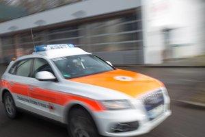 Vier Tölzer Fans von vermummter Gruppe überfallen – Polizei sucht nach Zeugen