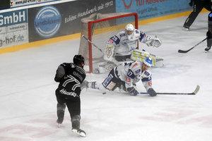 Järveläinen macht Bayreuther Comeback gegen Dresden perfekt, Bietigheim siegt in Heilbronn, Kaufbeuren triumphiert in Ravensburg