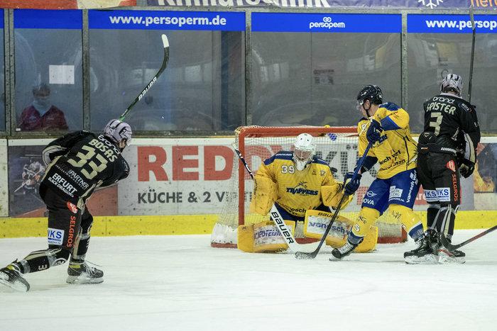 Krefeld gelingt der erste Sieg der Saison, Erfurt bezwingt die Tilburg Trappers, Scorpions verteidigen Tabellenführung