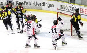 Crocodiles Hamburg revanchieren sich erfolgreich für Freitagsniederlage und gewinnen bei Schlusslicht Krefeld mit 3:2