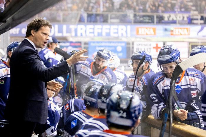 Tim Kehler bleibt auch in der kommenden Spielzeit Cheftrainer der Kassel Huskies