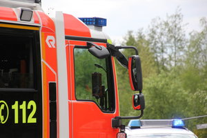 Ammoniakunfall in der Eissporthalle Herne hat einen mehr als 24-stündigen Feuerwehr-Einsatz zur Folge