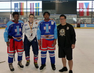 Im Berliner Welli: Internationales Hockey Is Diversity U17 Turnier