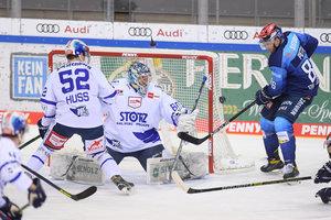 Ingolstadt gewinnt bei Pietta-Debüt gegen die Schwenninger Wild Wings, Berlin im eigenen Stadion weiter unbesiegt
