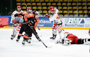 Kassel dreht im letzten Drittel auf, Frankfurt souverän gegen Crimmitschau, Bietigheim nach Overtime-Sieg wieder Zweiter