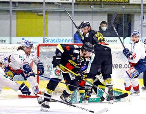 Ravensburger Negativserie hält an, Kassel gewinnt in Freiburg, 13 Tore in Bad Tölz, Clark mit vier Toren bei Füchse-Sieg