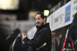 EC Bad Nauheim verlängert den Vertrag mit Trainer Harry Lange