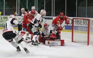 Memmingen sorgt für erste Regensburger Heimniederlage der Saison – Selb, Rosenheim und Höchstadt in der nächsten Runde