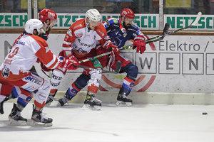 Fünf von sechs Treffern fallen in Überzahl: Selber Wölfe gewinnen erneut gegen die Eisbären Regensburg