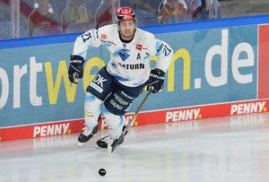 Top-Scorer Wayne Simpson trägt auch über die laufende Saison hinaus das Trikot des ERC Ingolstadt