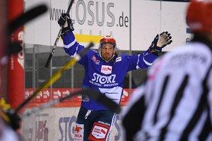 Kölner Haie verpflichten Schwenningens Top-Scorer Andreas Thuresson