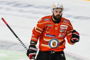 Finnischer Torjäger Sami Blomqvist stürmt weiterhin für den ESV Kaufbeuren