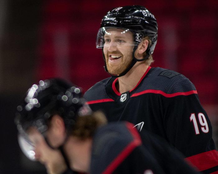 Grubauer nach Seattle, Hamilton zu den Devils, Danault nach LA – Der Liveticker zur Free Agency 2021 in der NHL!