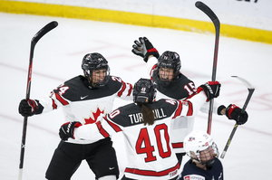 Personell dezimierte DEB-Frauen verlieren gegen Kanada mit 0:7 und treffen im ersten Platzierungsspiel auf Russland