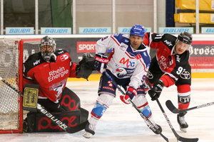 """Erst NHL, dann mit viel Bürokratie kasachischer Nationalspieler, nun Mannheim: Nigel Dawes liebt """"große Schlachten"""""""